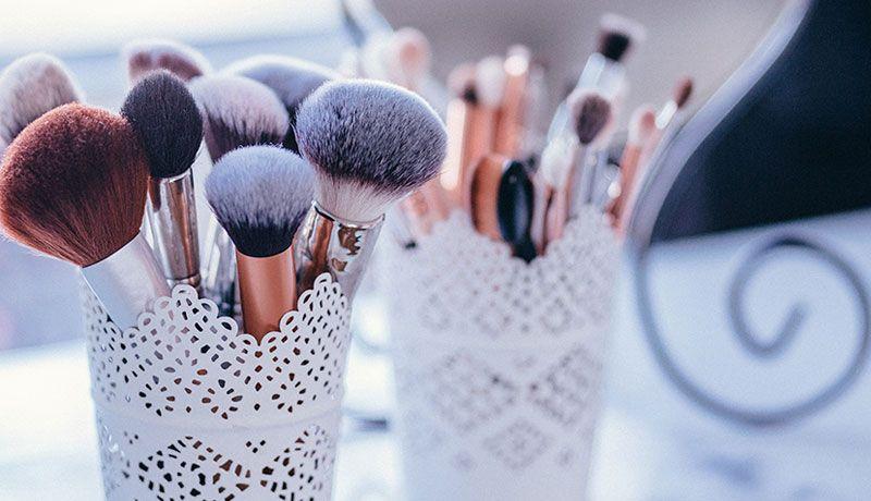 tips-lavar-brochas-maquillaje-1