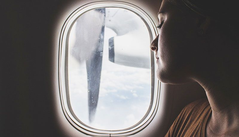 tips-para-cuidar-tu-piel-cuando-viajas-en-avion-1